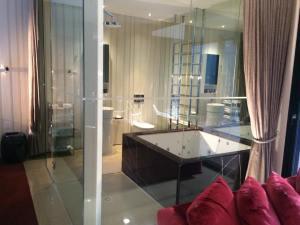marble spa bath